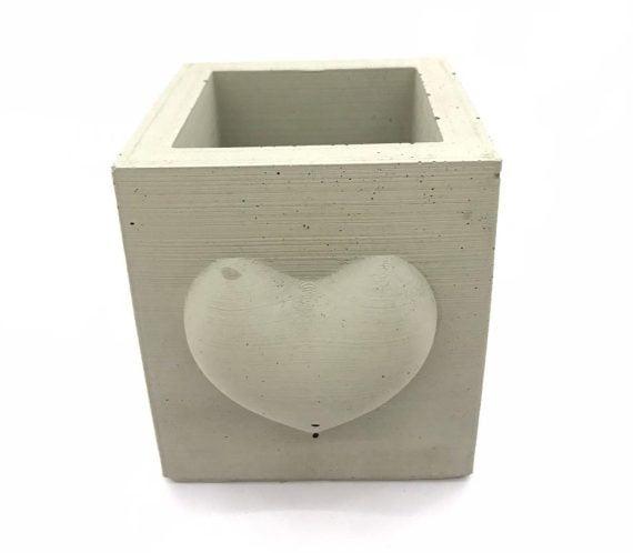 beton-saksi-kalp-motifli-kare-1