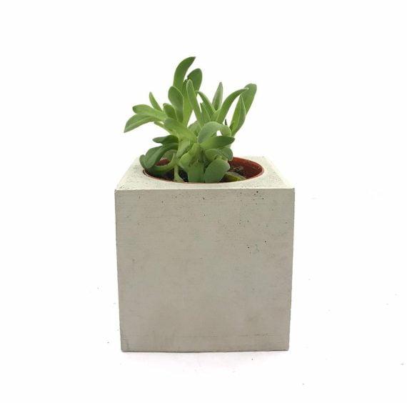 beton-saksi-kare-cicekli-2